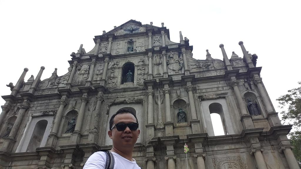 Selfie di depan Ruins of St Pauls Church