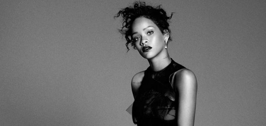 Rihanna teases us all with a snippet from her new album and its siren-tastic 🚔 http://t.co/4OlfjsUaGW http://t.co/3nFBZbZH0H