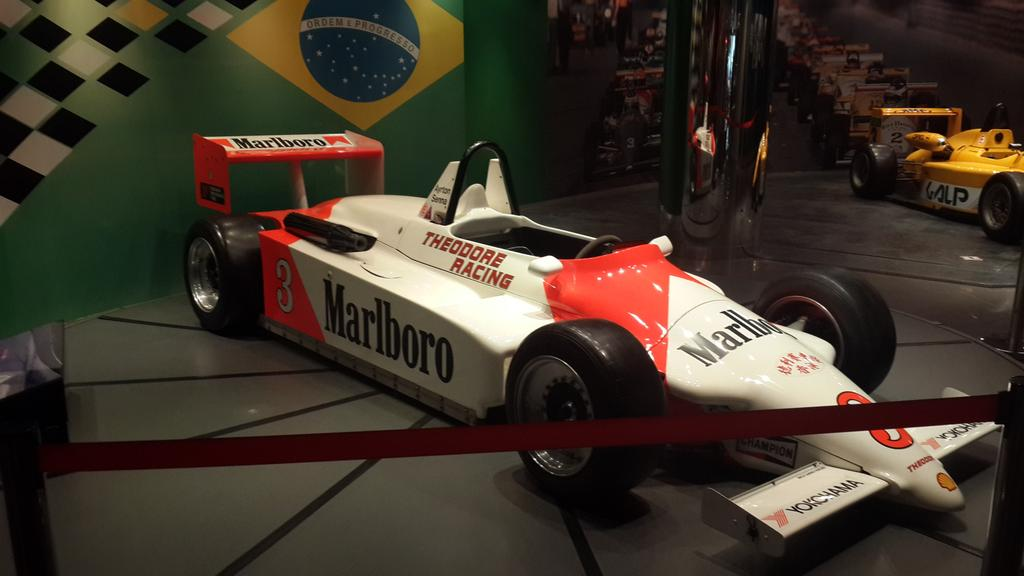 Mobil balap F1 legendaris milik Ayrton Senna