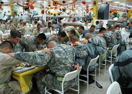 As we sit down to a Thanksgiving feast, May we all pray that the world finds peace. http://t.co/hq5wUDBDhy