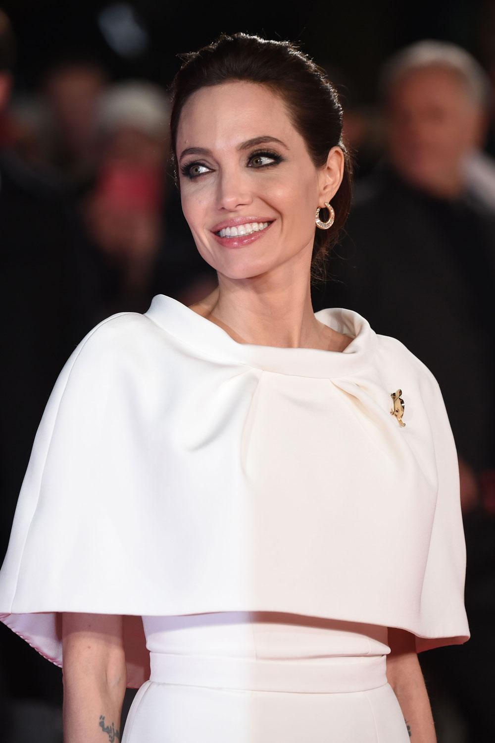 Look of the day has to go to the ever-so elegant Angelina Jolie... http://t.co/DzZAC3OHrH http://t.co/jZy9R4Ri9w