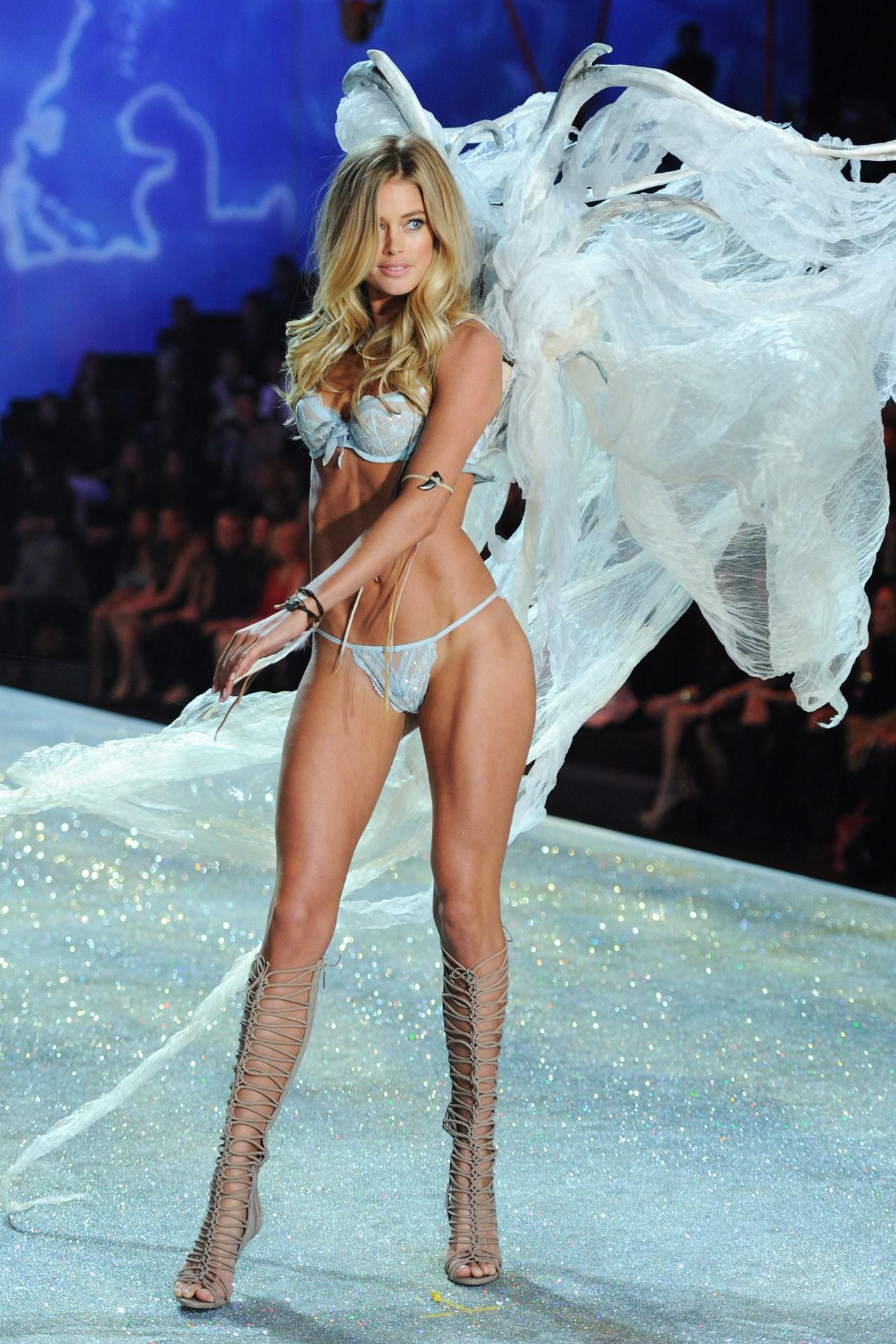 How to get a body like a Victoria's Secret Angel? The models themselves reveal all: http://t.co/3iwsSRhbPM http://t.co/Ki19I2sQvY