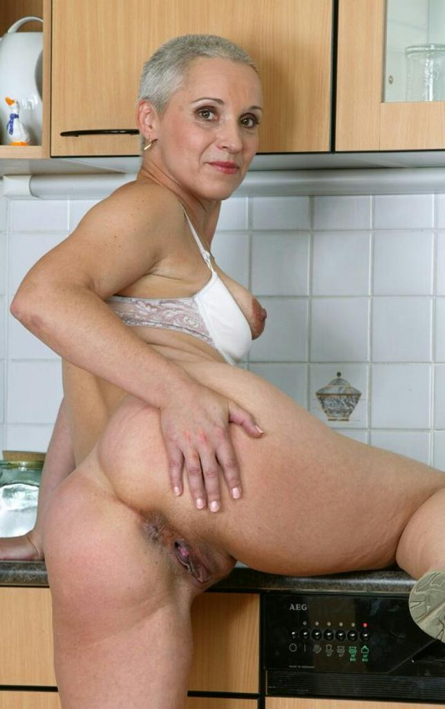 Milf soup help the bosses wife