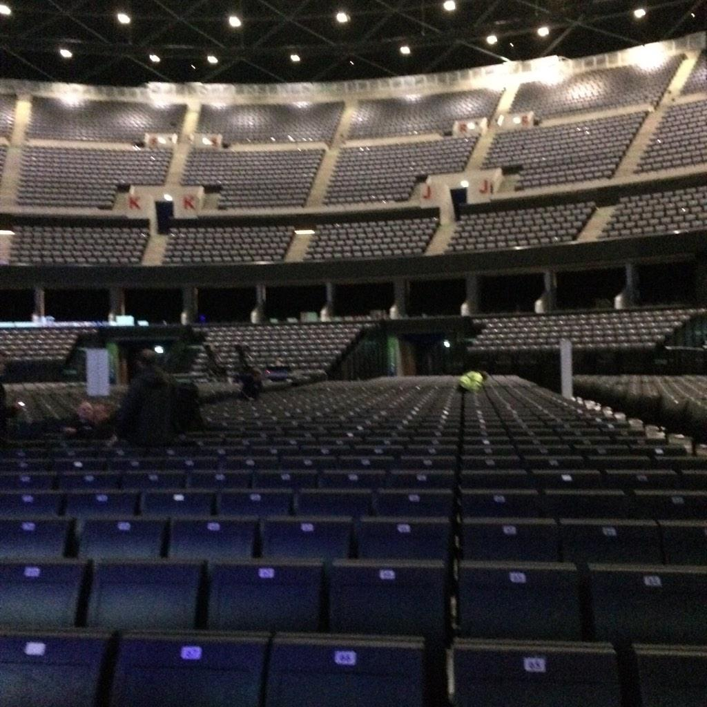 Just arrived at the Hydro in Glasgow - am I the only person thinks it looks like the senate in Star Wars ....? http://t.co/h2CEdzwVKX