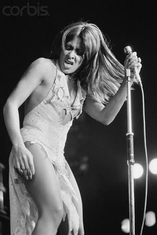 Your fave could never. Happy birthday, Anna Mae Bullock. #tinaturner http://t.co/FWOdMorEXY