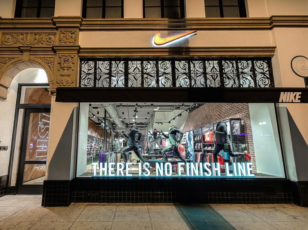 """8036c580a4f4 Finally a store a like """" NikeLA  We re now up and running in your  neighborhood. Nike Running Pasadena is now open. pic.twitter.com cxWHmsCj1a"""""""