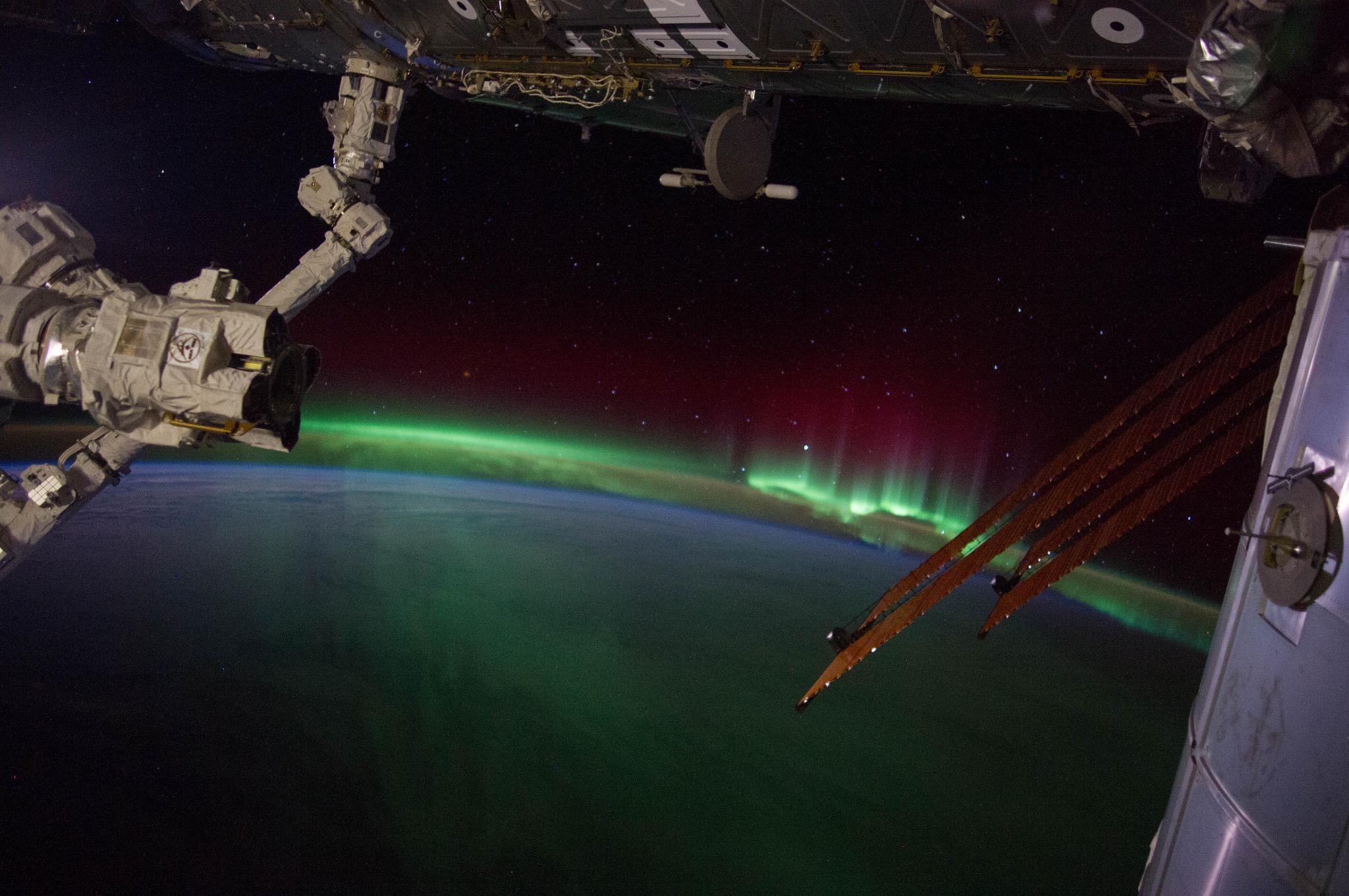 Astrosamantha - La donna dei record nello spazio: …