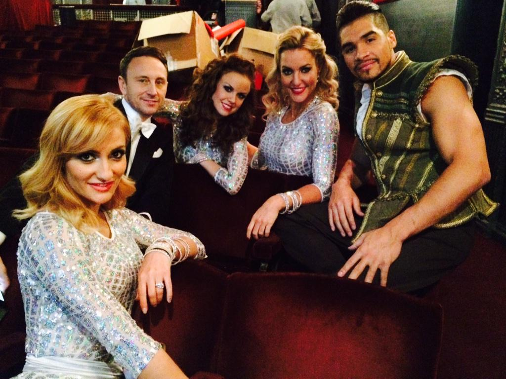 Brilliant day today filming #Scd Christmas special ;))) with @AlionaVilani @ianwaite @joanneclifton @louissmith1989 x http://t.co/uANpFRe0JI
