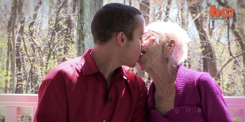 This 31-year-old Guy Has A 91-year-old Girlfriend http://t.co/hFWyCSaxYZ http://t.co/89H76UWQRs