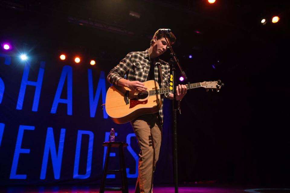 TONIGHT -- @ShawnMendes w/ @JacquieLeeMusic *SOLD OUT*! Doors: 6:30P, Show: 7:30P. More info: http://t.co/IYa4MSkHRW http://t.co/fUSyRJY4oh