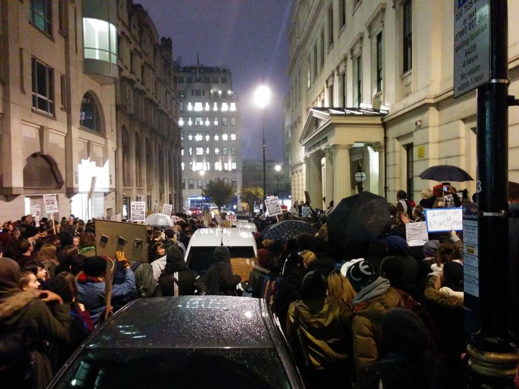 'Darren Wilson do your time! Being Black is not a crime!' Streets of London right now. #LondonToFerguson http://t.co/vWR85b4IFu