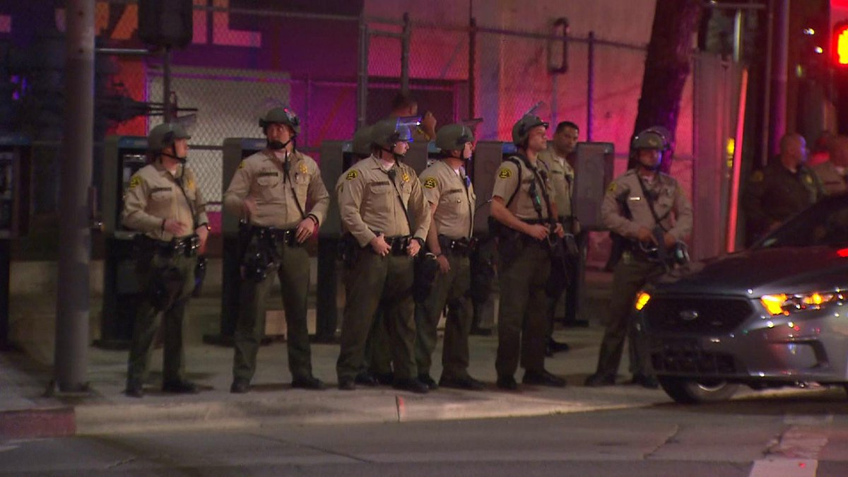 Central Jail Watch : LASD deputies await protesters Central