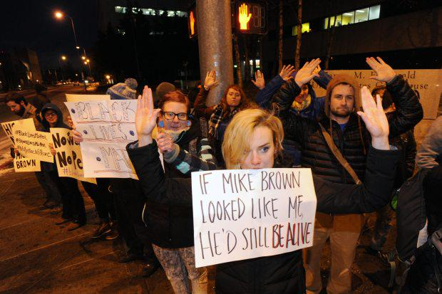 Downtown Anchorage protest targets Ferguson grand jury decision http://t.co/RTRKvRZNlc http://t.co/GHtMaJKPul