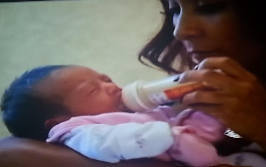 RT @jwowwfanspage: MY HEART IS MELTING WATCHING YOU HOLD HER!♥♥♥ @JENNIWOWW @snooki  #SnookiAndJwoww @MTV http://t.co/8kAcg7u1up