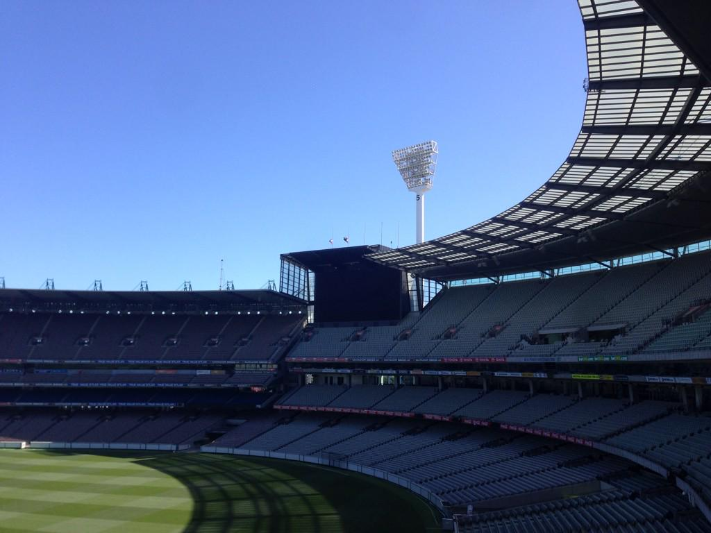 The MCG flags are at half mast following news of Phil Hughes' tragic passing. An unspeakable tragedy. http://t.co/9ngPy9wJE9