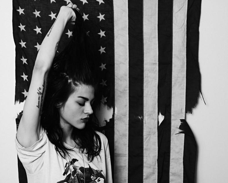 Frances Bean (@alka_seltzer666) is going to produce a Kurt Cobain documentary: http://t.co/QY4FfxgC0W http://t.co/Zxjf9zXFYS