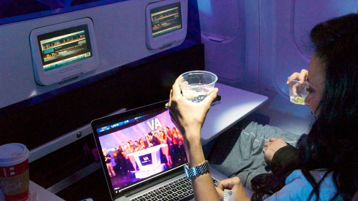 What does a million hours flying look like? @VirginAmerica has the answer http://t.co/9fgoj2lLz7 http://t.co/D3flGdvVKX