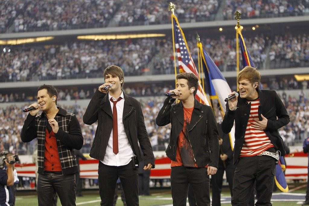 #BigTimeThrowback to when our boys @bigtimerush sang the National Anthem on Thanksgiving Day 3 years ago