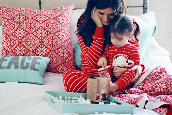 Gifts that give back: Make the holiday season that much happier with #TOMSforTarget http://t.co/wkZdqcdOXW @Target http://t.co/k6VTeEBUis