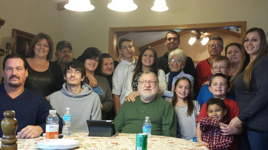 Not exactly sure how we accomplished this picture, but I wouldn't trade them for the world #thankfulforfamily  <br>http://pic.twitter.com/o7auAPkGHL