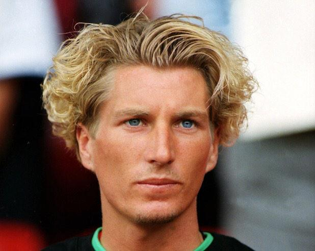 Haha natural curls too RT @eadie11: @DannyCohen @RobbieSavage8 and with this haircut http://t.co/npxjZbNAFh