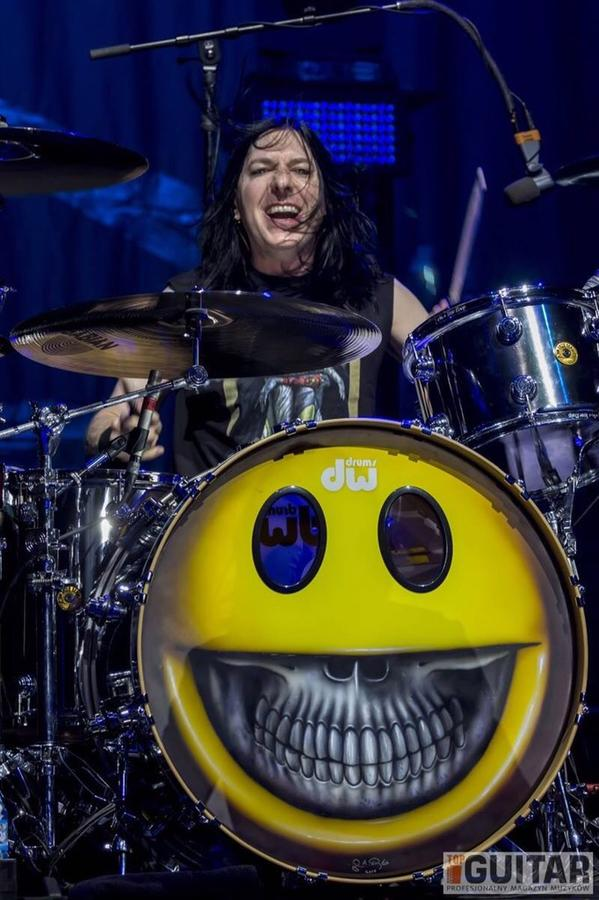 ATTENTION! BRENT FITZ FANS  VOTE @brentfitz -  THE BEST ROCK DRUMMER!  http://t.co/zMgTzlozug … … … … http://t.co/50xb6O1HD9
