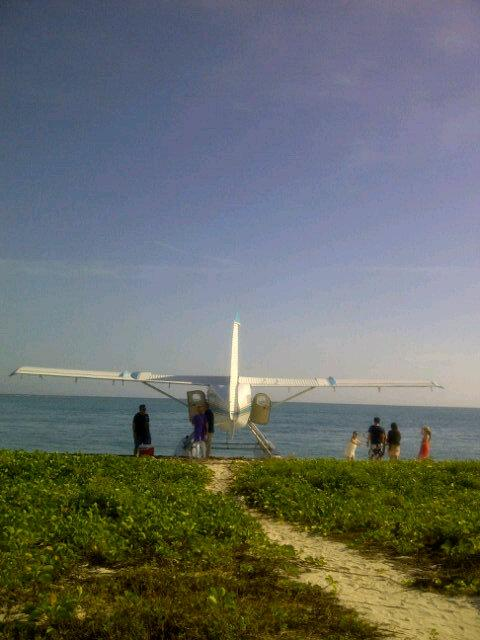 The 'bus' into Dry Tortugas. So cool. http://t.co/KTow1vBcTy