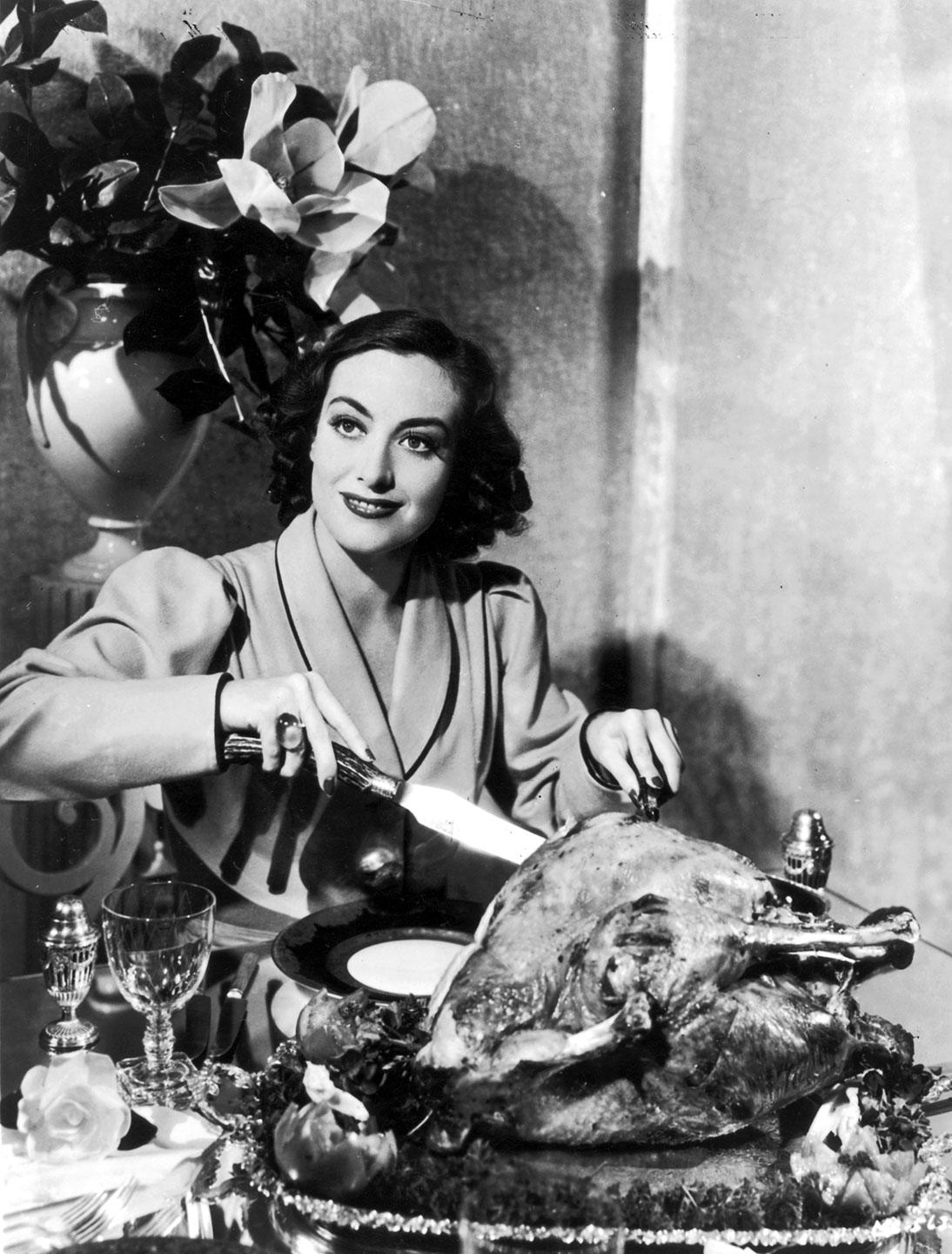 RT @vfhollywood: Happy Thanksgiving! Did your turkey turn out as beautiful as Joan Crawford's? http://t.co/LcMWOWjImZ http://t.co/ROHSoBGCV6