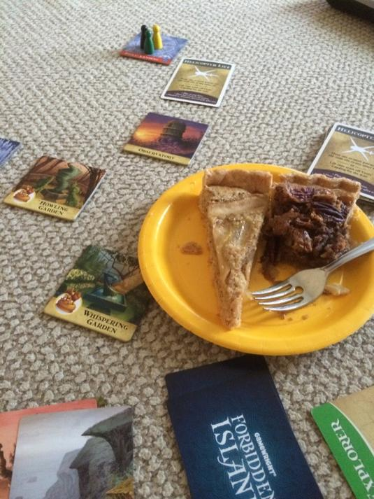 RT @Inspector_W: #GatherYourParty Forbidden Island & my pecan pie are perfect for Thanksgiving #@tabletop @wilw http://t.co/pFa55DNYqG