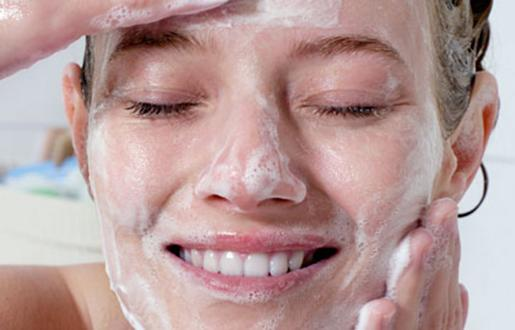 Want to banish zits forever? (Stupid question?) We've got you covered: http://t.co/72GRRSH9Xc http://t.co/zyTMi6UHi9