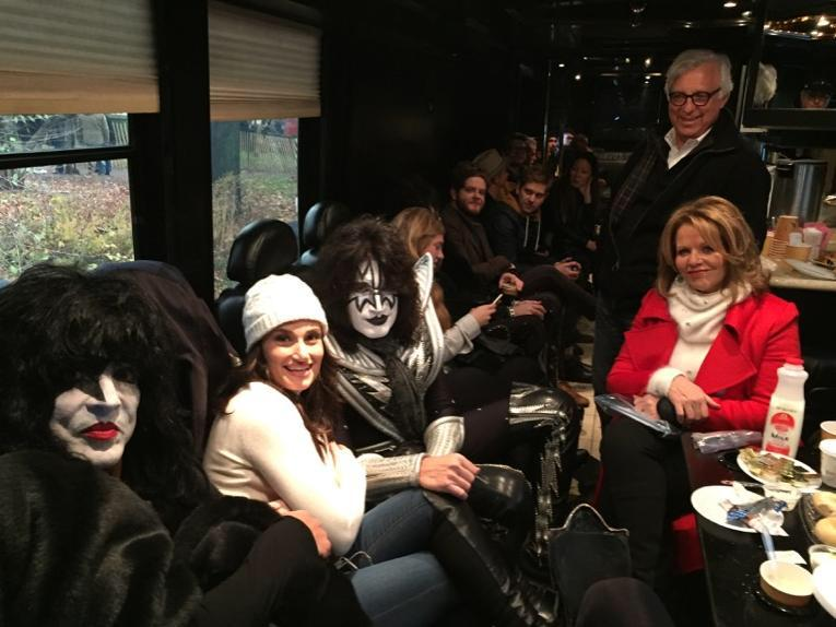 Backstage at possibly world's most unexpected concert, with delightful company, @KISSOnline & @idinamenzel #XmasinNY http://t.co/0zs5gJ1w8W