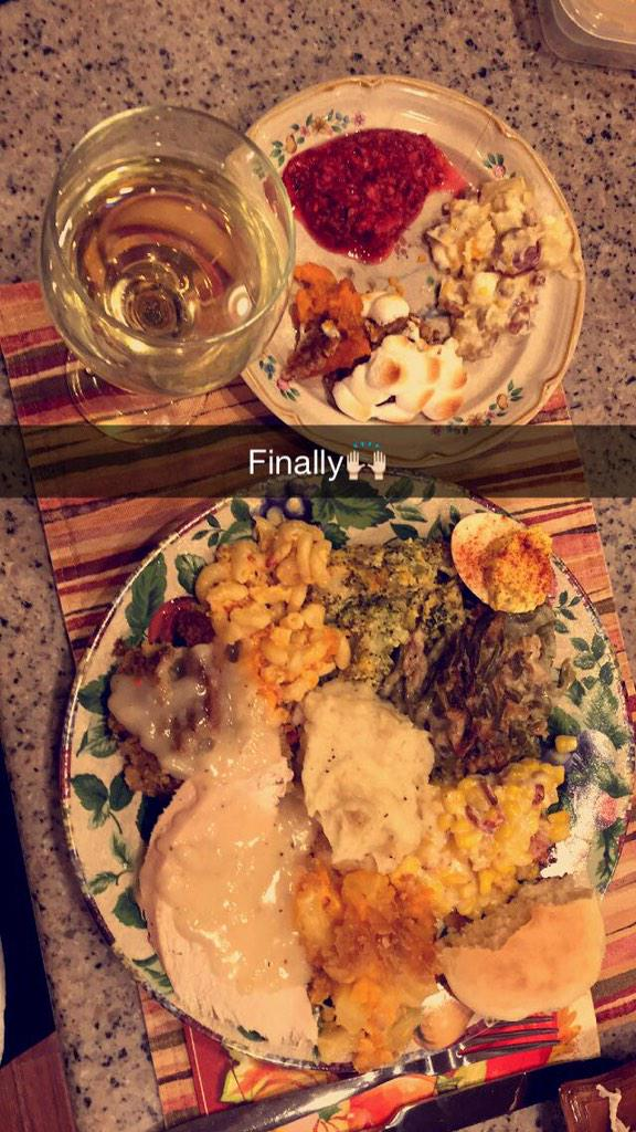 RT @Presleyyy716: I can't feel anything after this #CosmoFeast http://t.co/lJPaQyWcP9