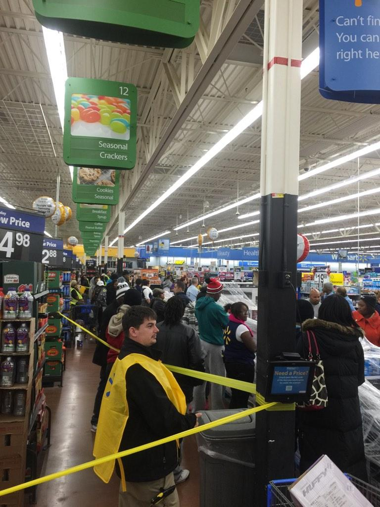 Maplewood Walmart under siege from Mike Brown mob