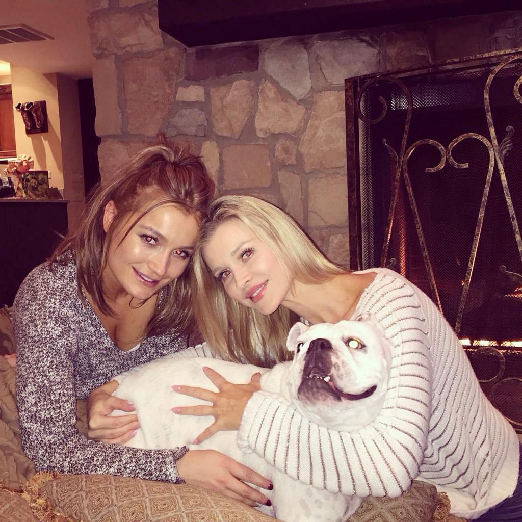 Sisters @marta_krupa #Krupasisters #thanksgiving #family #grateful #blessed http://t.co/XC3Abeqe74