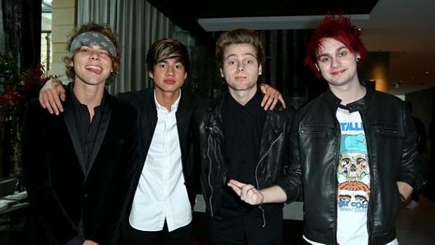5SOS drummer Ashton struck down | http://t.co/760SSijpiL- Hot Hollywood Celebrity Gossip http://t.co/kDqu6wnA6R http://t.co/0T4l9nhWha