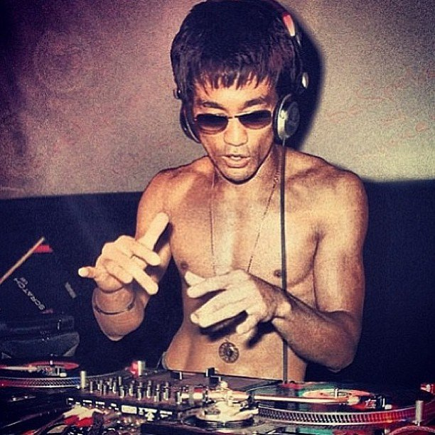 You will NEVER as cool as Bruce Lee dropping the Beats!!! http://t.co/Za5EtReQHX
