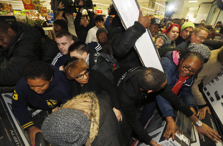 RT @standardnews: The #BlackFriday pictures coming from ASDA Wembley are pretty unbelievable http://t.co/qq9FQi91OX http://t.co/fjFuNT3RVR