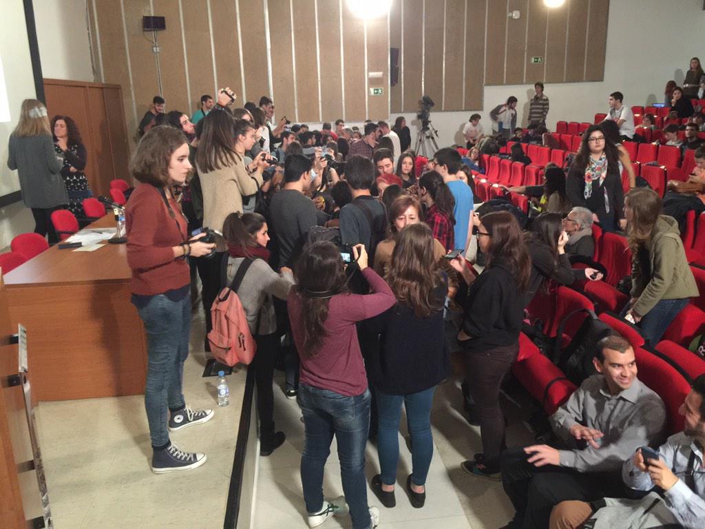 Alumnes en acció #comunicacionyviajes http://t.co/FTnx93s59l