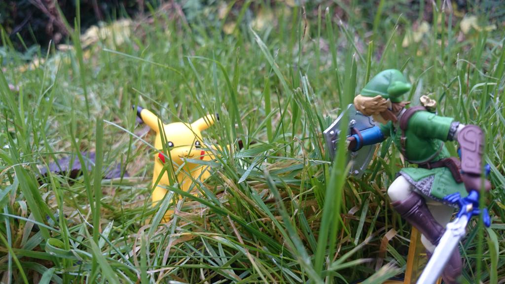 @NintendoUK Link has an encounter in the tall grass #NintendoDay http://t.co/uKtJRkIlFB