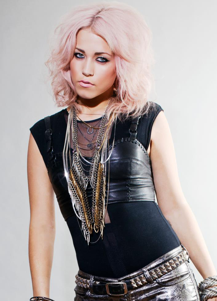 RT @jonathanshalit: Cole Kitchenn  are proud to now represent Amelia Lily @AmeliaLilyOffic @ColeKitchenn @ROARGlobal http://t.co/3IAacAiBPF