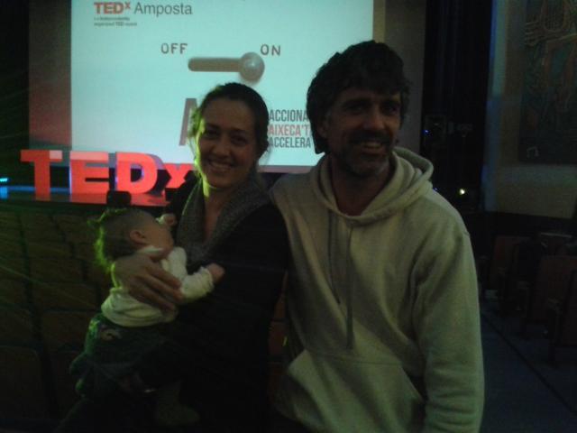 L'Ona amb 2 mesets ja ha assistit al #tedxamp @TEDxAmposta #aprenentatge precoç http://t.co/dlwepIw9Mx