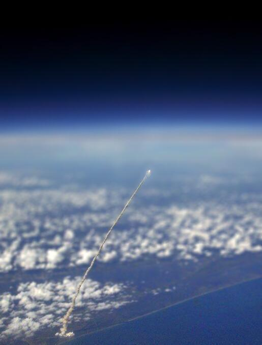 "This may be the greatest photo ever. RT @russpitts: Wow. ""@HistoryInPics: Space Shuttle launch viewed from the ISS http://t.co/pcOrEoEQSv"""