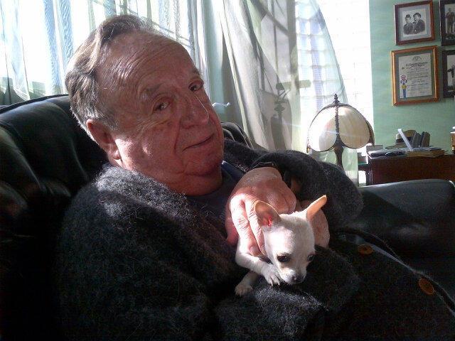 Morre Roberto Bolaños, o eterno intérprete de Chaves e Chapolin =/ http://t.co/ze38f7wiio