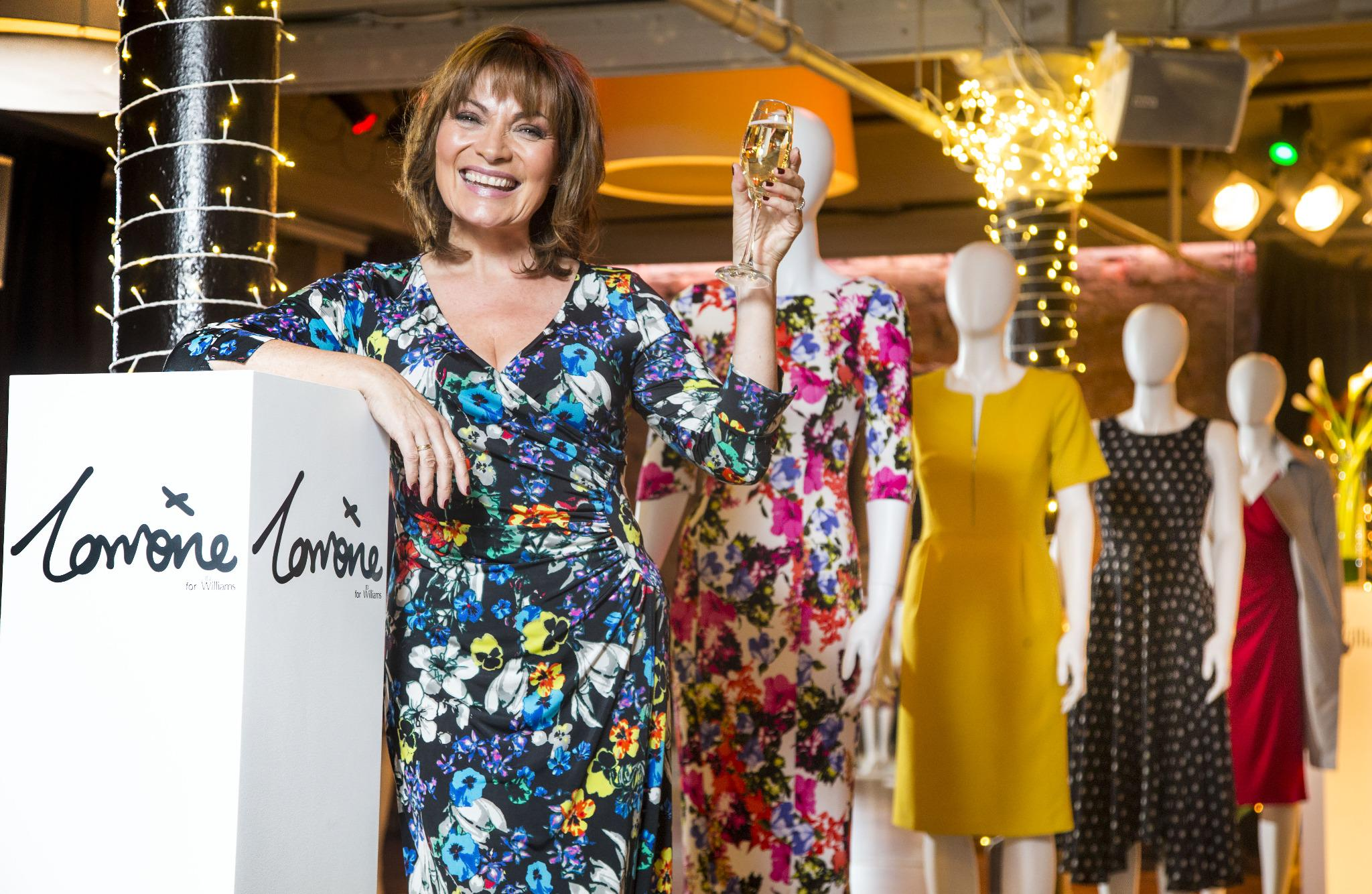 RT @scotsunstyle: TV queen @reallorraine discusses new @JDWFashion range, style icons & faux pas: http://t.co/79HZxjSRFU  #NBrownSS15 http:…