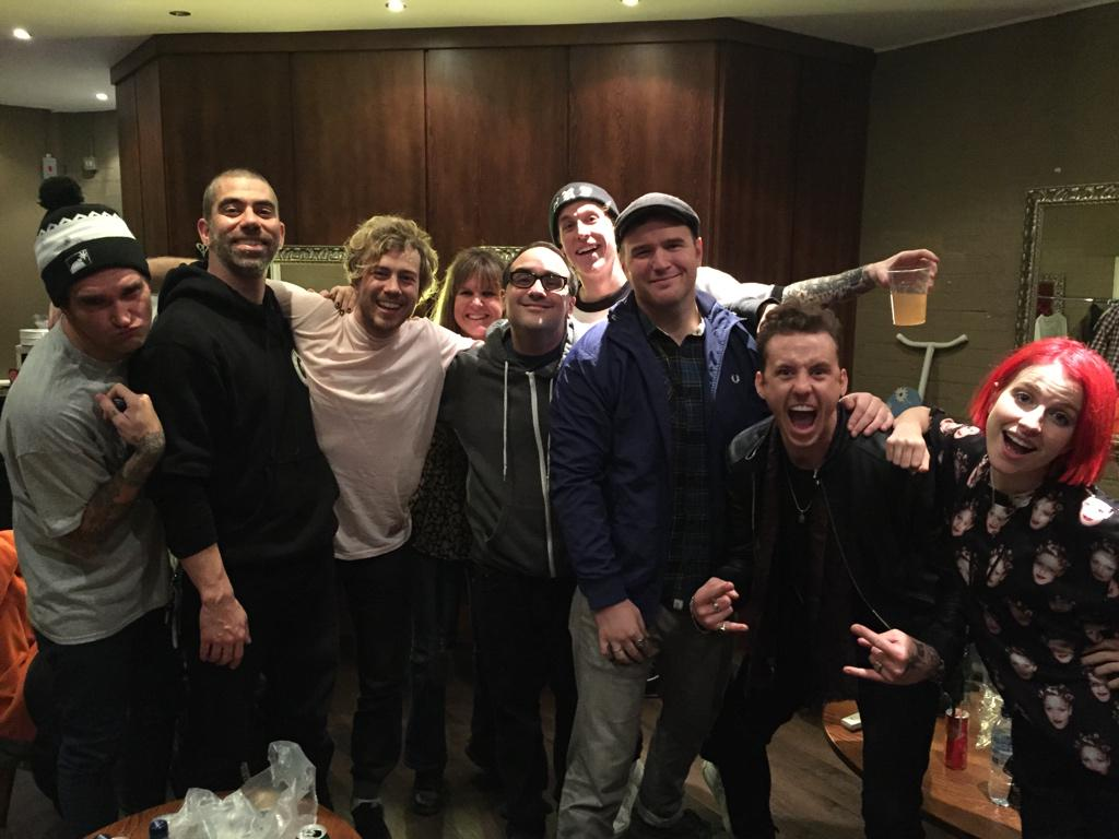 Great to hang with @newfoundglory @yelyahwilliams @XChadballX @cyrusbolooki @realjordanfg tonight, such a great gang👌 http://t.co/CPosvQWDa1