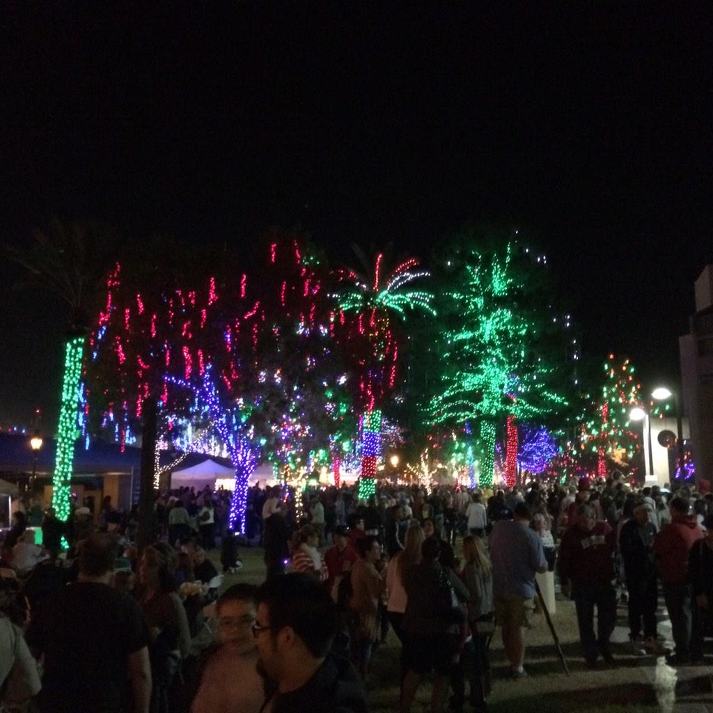 Tonight was a great opening night for 2014 #GlendaleGlitters Come back again. Bring the family. http://t.co/6s7qLCS3Dr