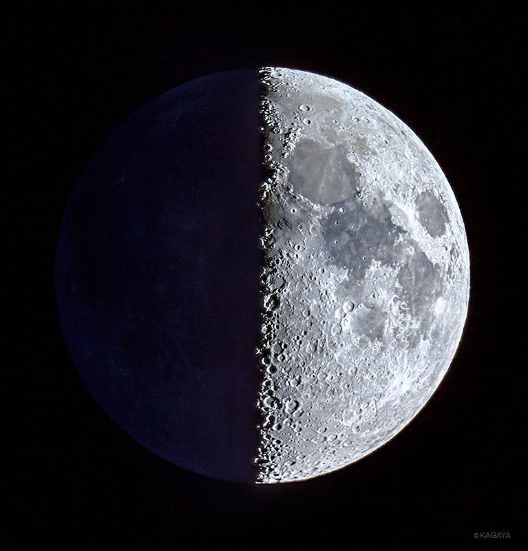 空をご覧ください。今夜は上弦の月が出ています。望遠鏡や双眼鏡を使うと欠けぎわにたくさんのクレーターが見えますよ。写真はさきほど望遠鏡で撮ったものです。 pic.twitter.com/mk2f8cVG3C
