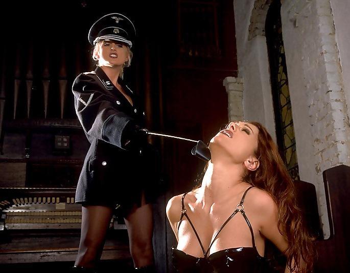 Порно гестапо в военном, трахнуть в большую задницу