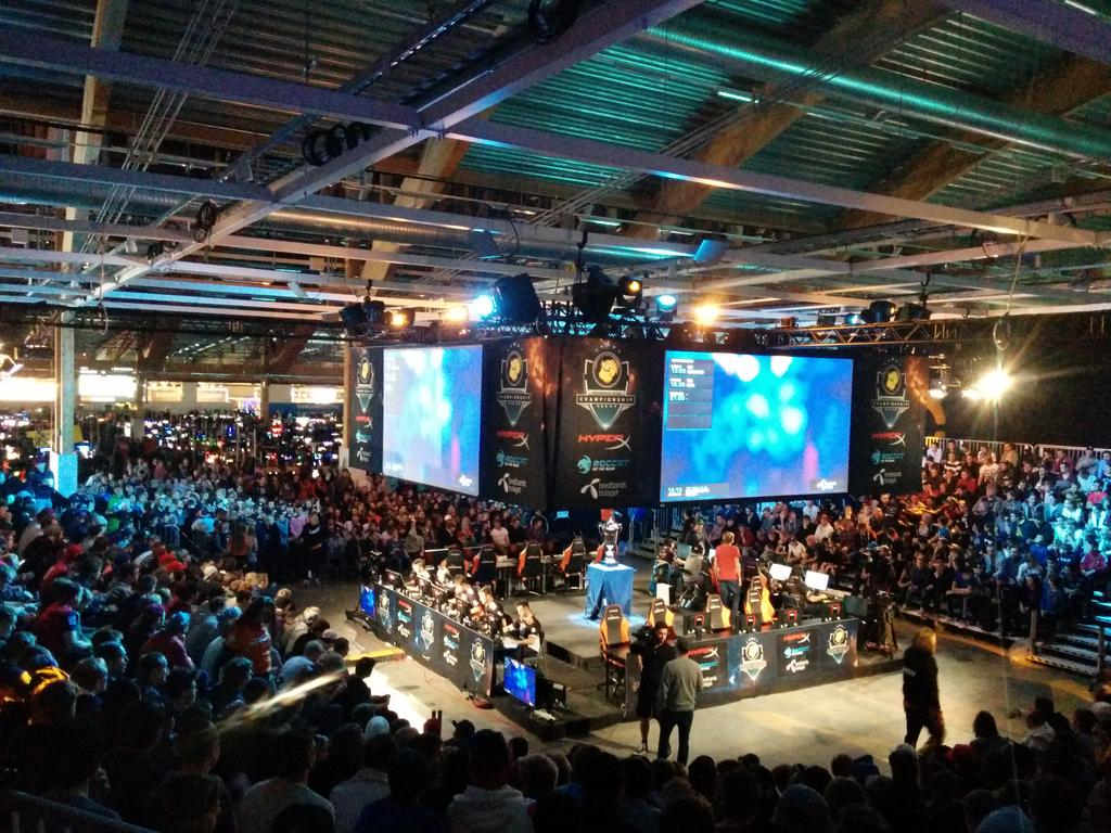 This never gets old! No seats available for @NiPGaming  vs @TeamVirtuspro 45 minutes before kick off! #DHW14 http://t.co/E0GjXcMtlF