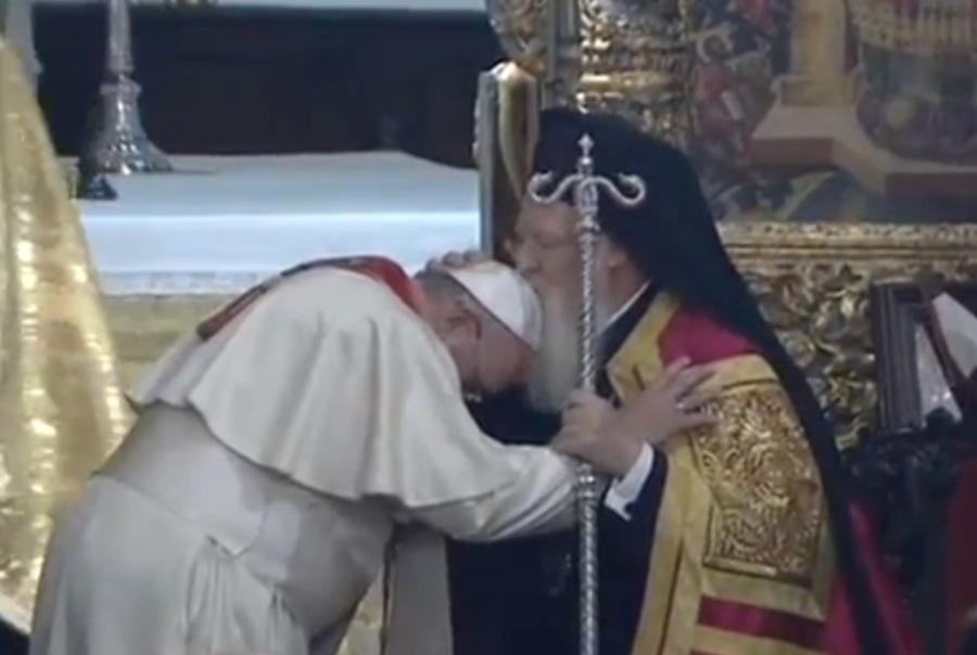 Francisco y Bartolomé I pidieron intervención contra la persecución a cristianos en Medio Oriente